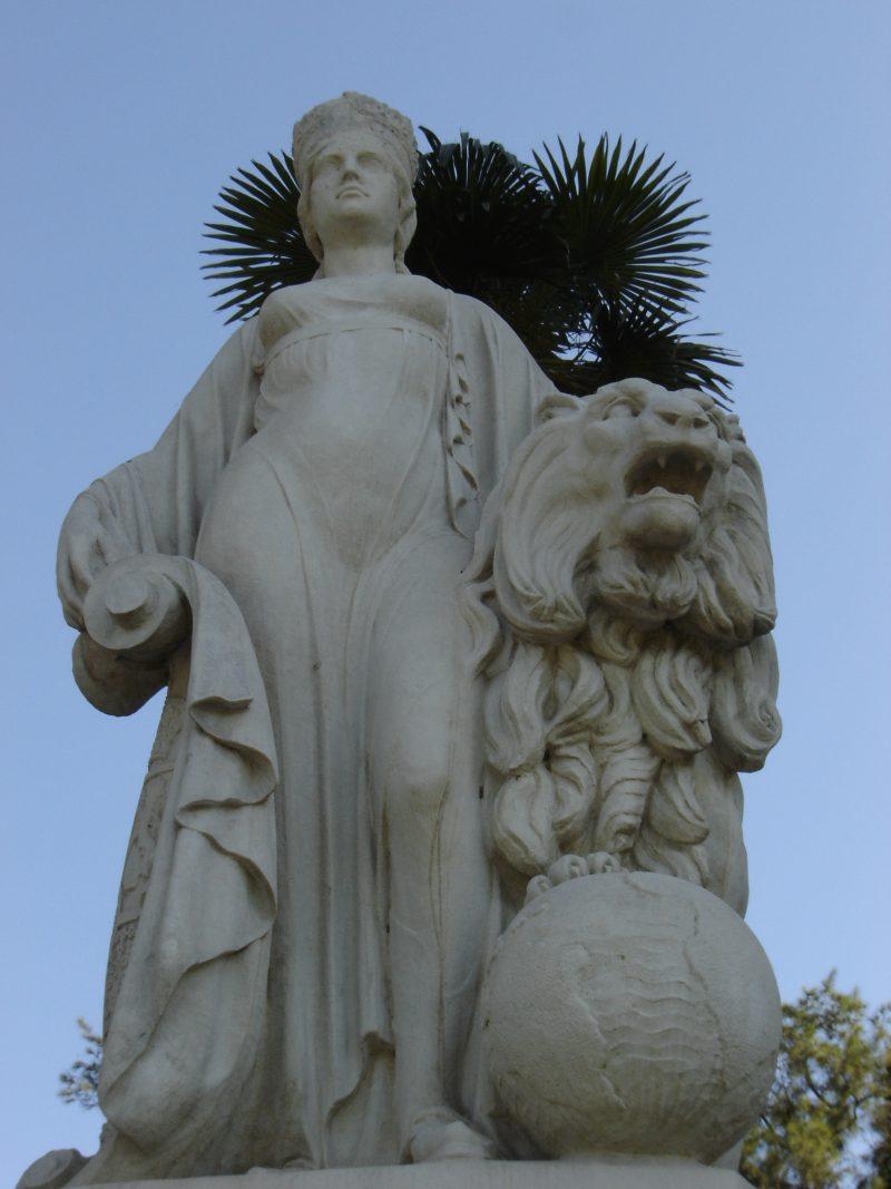 Los títulos del escudo de la ciudad de Sevilla, títulos del escudo de Sevilla