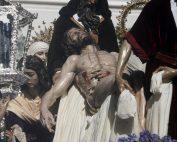 Santa Marta, Iñaki Gabilondo, Cristo de la Caridad, hermandad de Santa Marta, rosa roja, la rosa roja de Santa Marta
