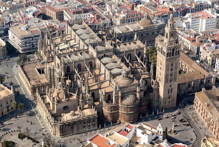El Esplendor de la Sevilla Almohade. Sevilla Mágica y Eterna